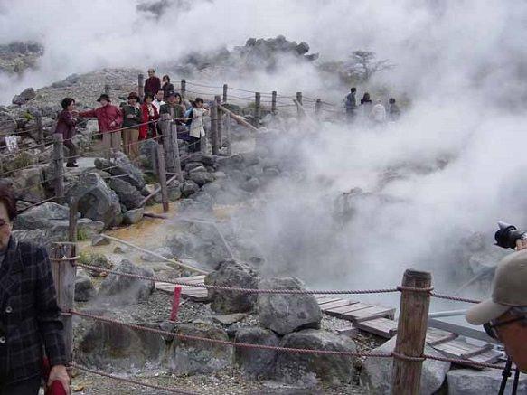 Οι ενεργές πηγές της Owakudani όπου βράζονται τα μαύρα αυγά