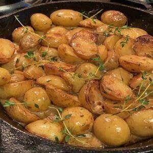 Πατάτες με θυμάρι και δεντρολίβανο