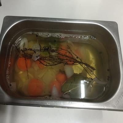 Μαγειρεμένη μαρινάδα με φρέσκο θυμάρι