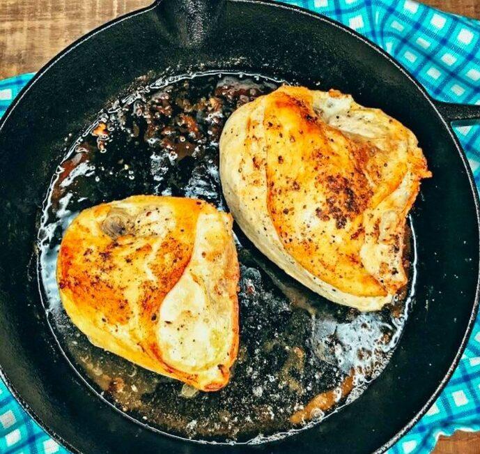 Στήθος κοτόπουλο με τη μέθοδο pan frying