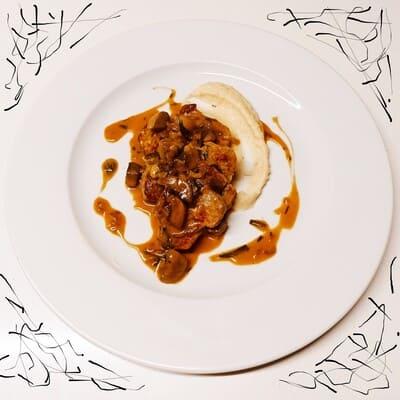 Χοιρινό-φιλέτο-με-σάλτσα-μανιταριών-και-εστραγκόν