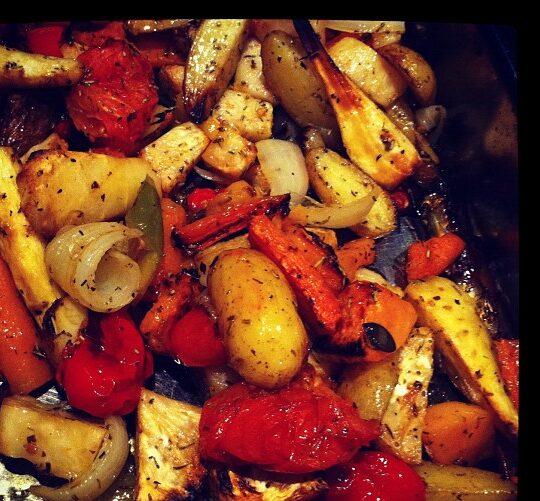Τα λαχανικά στο φούρνο είναι μια γευστικότατη και υγιεινή επιλογή